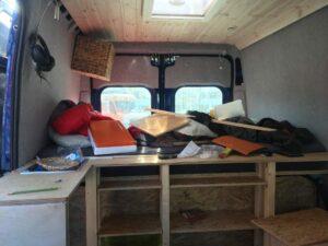 Innenverkleidung des Campers beim Camper Van